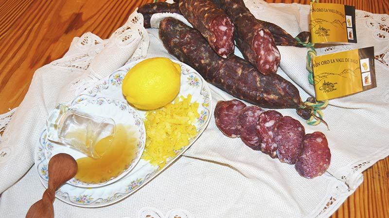 Salchichón con miel y limón